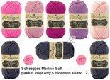 Attys-bloemenshawl-Merino-Soft-Scheepjes-roze-2