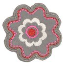 Grijze-bloem-met-roze-en-zilver-applicatie