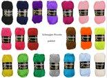 Piccolo-pakket-10--Scheepjes-Piccolo-20-bollen-in-verschillende-kleuren--in-venster-bewaardoos