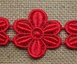 Sierrand-van-Etskant-Bloemenlint-groot-Rood-geborduurd