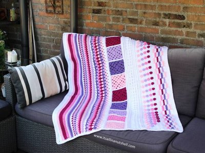 Meadow Blanket TLC deken haakpakket Scheepjes Chunky Monkey compleet met handige wolnaald en 2 stekenmarkeerders