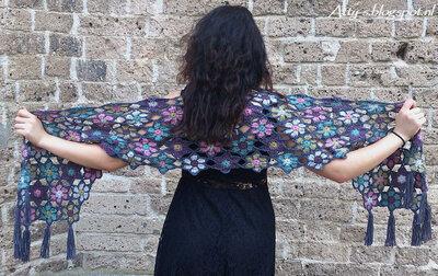 Atty,s Merino Soft shawl bloemen sjaal origineel Scheepjes